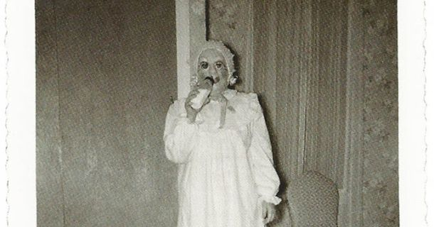 13 Vintage Halloween Costumes That Will Scare The Hell Out Of You